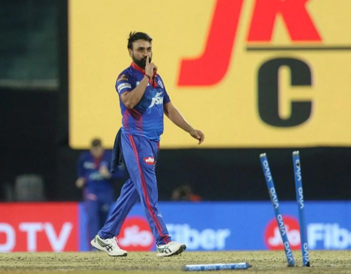 Amit Mishra is bowling well for DC