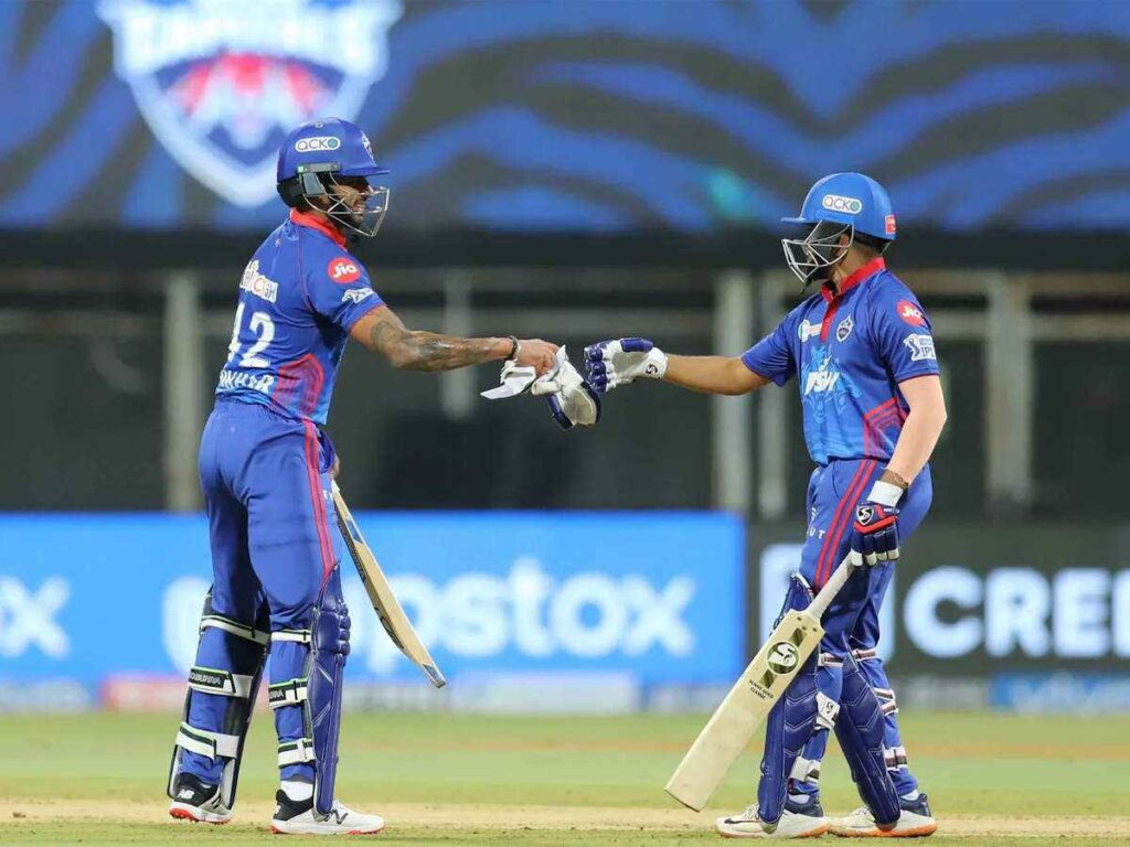 Dhawan and Shaw smashes fifties for DC against CSK