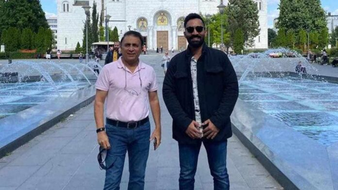 Indian Cricketer Dinesh Karthik is trending on Twitter for his funny commentary during the WTC final on Day 2.