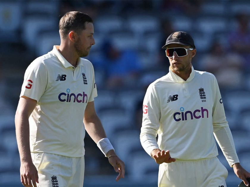 Root stands by Robinson as teammate